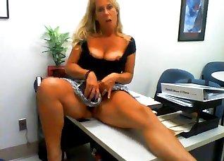 Busty blonde stimulates her little crack